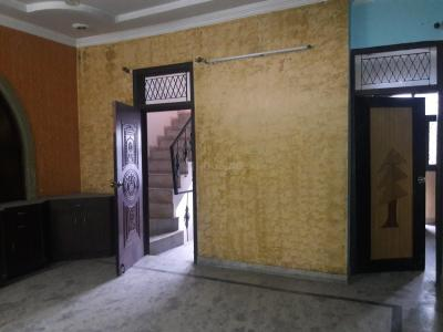 Gallery Cover Image of 1301 Sq.ft 3 BHK Independent Floor for rent in Gyan Khand for 15000