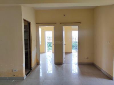 Gallery Cover Image of 1080 Sq.ft 2 BHK Apartment for rent in Bengal Peerless Avidipta, Mukundapur for 26000
