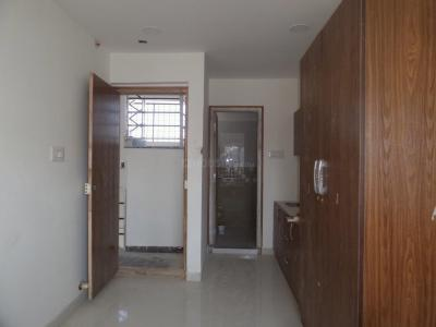 Gallery Cover Image of 300 Sq.ft 1 RK Apartment for rent in Adugodi for 10000