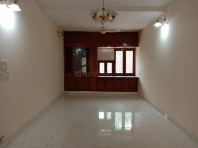 Gallery Cover Image of 1750 Sq.ft 3 BHK Apartment for rent in Vasant Kunj for 45000