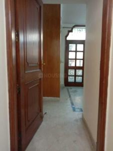 Gallery Cover Image of 1600 Sq.ft 3 BHK Apartment for rent in Lajpat Nagar for 65000