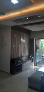 Gallery Cover Image of 845 Sq.ft 2 BHK Apartment for rent in Kandivali East for 40000