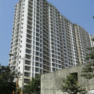 Gallery Cover Image of 1315 Sq.ft 2 BHK Apartment for rent in Goregaon East for 58000