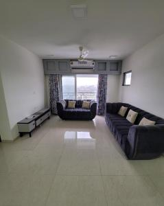 Gallery Cover Image of 1350 Sq.ft 3 BHK Apartment for buy in Zee Sahyadri, Vile Parle West for 48500000