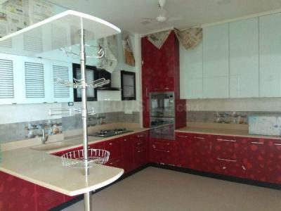 Gallery Cover Image of 2400 Sq.ft 3 BHK Apartment for rent in Adyar for 120000