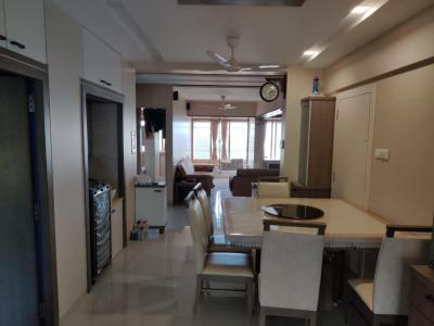 Gallery Cover Image of 1150 Sq.ft 2 BHK Apartment for rent in Cumballa Hill for 129000