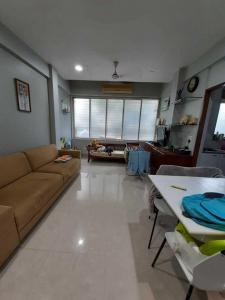 Gallery Cover Image of 600 Sq.ft 1 BHK Apartment for rent in Wadala for 50000