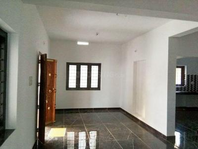 Gallery Cover Image of 1000 Sq.ft 3 BHK Independent House for buy in Mepparamba for 2000000