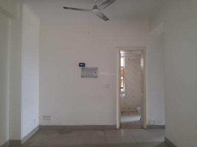 Gallery Cover Image of 915 Sq.ft 2 BHK Apartment for rent in Gaur City 4th Avenue, Noida Extension for 10000