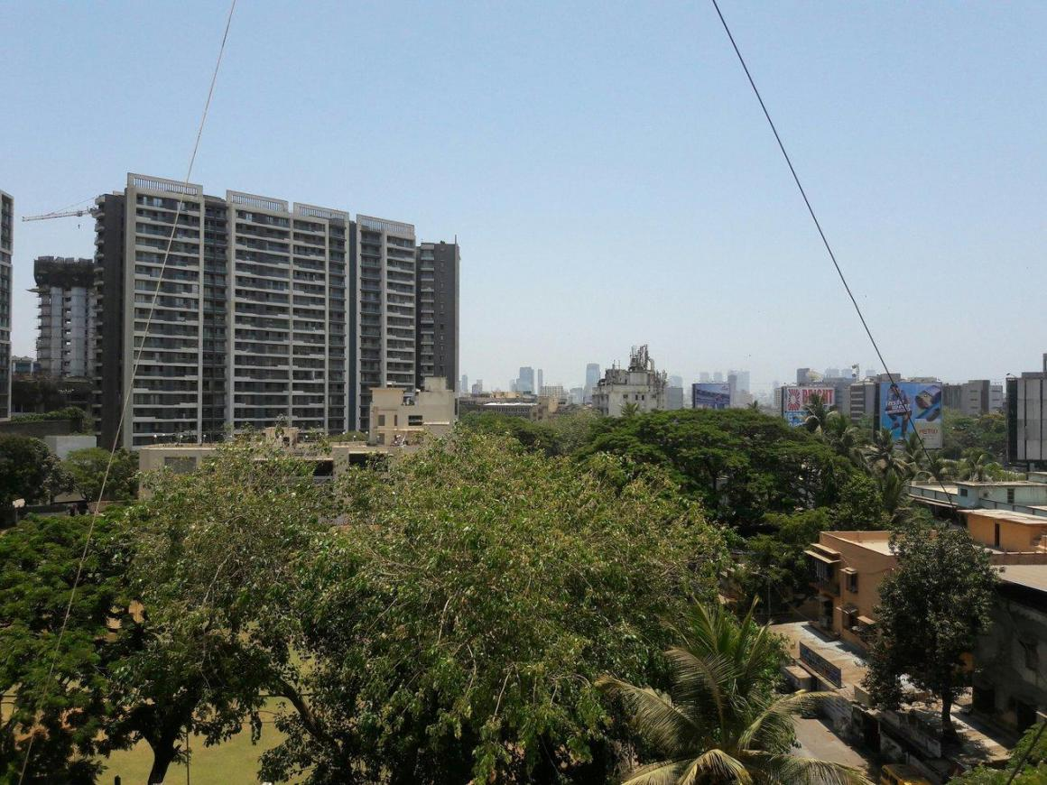 Living Room Image of 1100 Sq.ft 3 BHK Apartment for rent in Bandra East for 90000