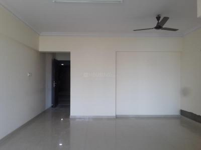 Gallery Cover Image of 1000 Sq.ft 2.5 BHK Apartment for rent in Lokhandwala Fountain Heights, Kandivali East for 30000