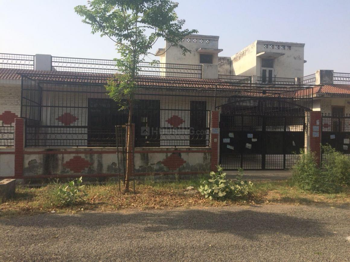 Building Image of 1292 Sq.ft 2 BHK Independent House for buy in Sector Xu 1 Greater Noida for 5950000