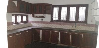 Gallery Cover Image of 3000 Sq.ft 4 BHK Independent House for buy in Veliyannur for 12500000