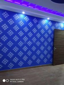 Gallery Cover Image of 700 Sq.ft 3 BHK Apartment for buy in Dwarka Mor for 3512422
