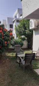 Gallery Cover Image of 2400 Sq.ft 3 BHK Villa for buy in Sama for 16000000