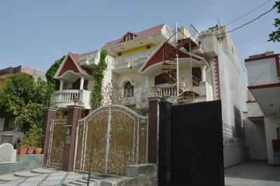 Gallery Cover Image of 900 Sq.ft 1 BHK Independent Floor for rent in Sector 17 for 14500