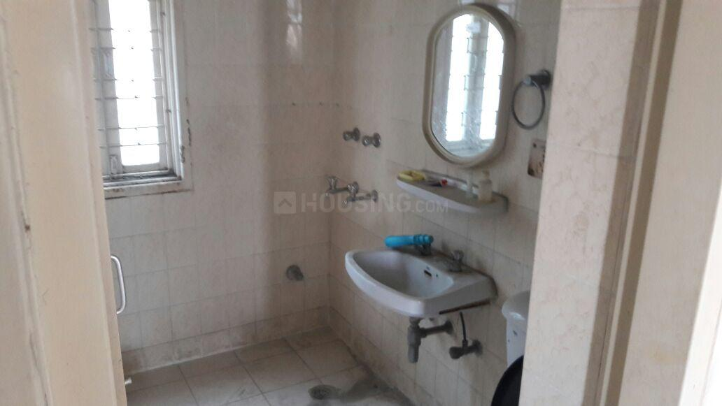Common Bathroom Image of 1182 Sq.ft 2 BHK Apartment for buy in Sector 56 for 7600000