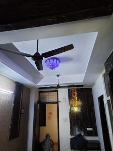 Gallery Cover Image of 500 Sq.ft 1 BHK Independent Floor for rent in Anmol Residency, sector 73 for 8000