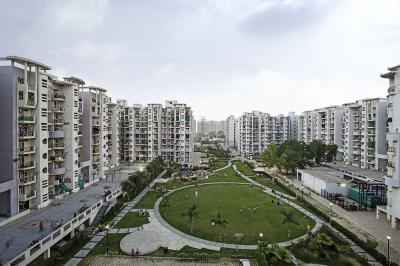 Gallery Cover Image of 1200 Sq.ft 2 BHK Apartment for buy in Sector 78 for 3700000