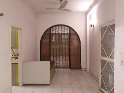 Gallery Cover Image of 1100 Sq.ft 3 BHK Independent Floor for rent in Palam Vihar for 19000