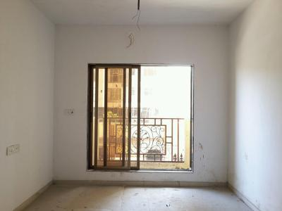 Gallery Cover Image of 650 Sq.ft 1 BHK Apartment for buy in Thane West for 6800000