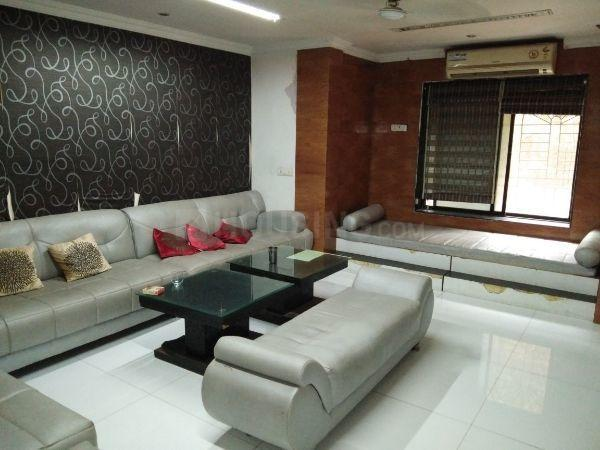 Living Room Image of 4000 Sq.ft 5+ BHK Independent House for rent in Sion for 150000