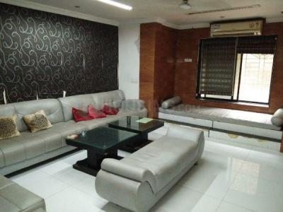 Gallery Cover Image of 4000 Sq.ft 5+ BHK Independent House for rent in Sion for 150000