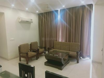 Gallery Cover Image of 1950 Sq.ft 3 BHK Apartment for rent in Dalanwala for 45000