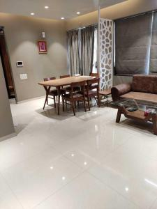 Gallery Cover Image of 1260 Sq.ft 2 BHK Apartment for rent in Vastrapur for 40000