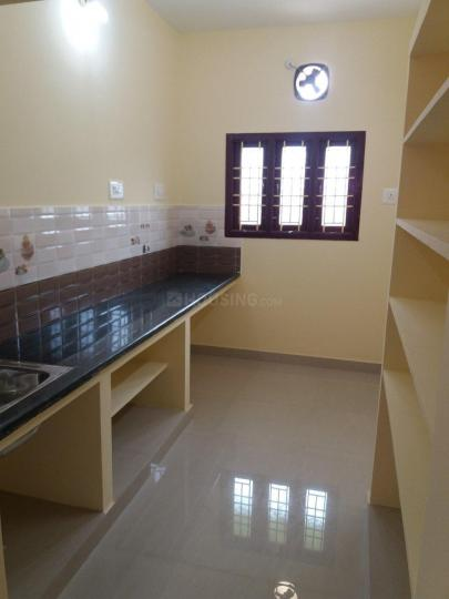 Kitchen Image of 650 Sq.ft 1 BHK Apartment for rent in Perungalathur for 8250