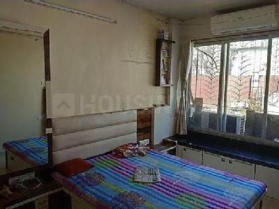 Gallery Cover Image of 600 Sq.ft 1 BHK Apartment for buy in Prathmesh Vihar CHS, Borivali East for 9900000