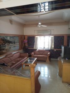 Gallery Cover Image of 3500 Sq.ft 3 BHK Independent House for buy in Sanand for 29500000