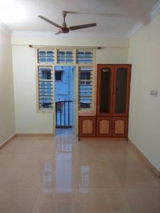 Gallery Cover Image of 1100 Sq.ft 2 BHK Apartment for rent in Shreyas Residency, Mahadevapura for 20000