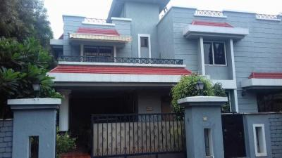Gallery Cover Image of 4000 Sq.ft 5 BHK Independent House for buy in Magarpatta City for 50000000