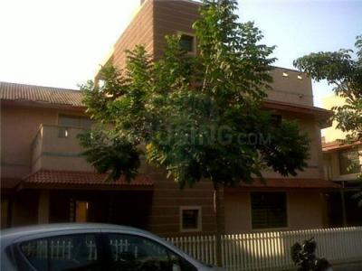 Gallery Cover Image of 4050 Sq.ft 5 BHK Independent House for buy in Shilaj for 60000000