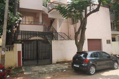 Gallery Cover Image of 1100 Sq.ft 2 BHK Apartment for rent in Vivek Nagar for 22000