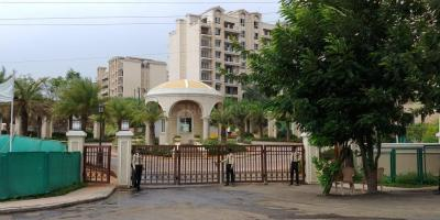 Gallery Cover Image of 1500 Sq.ft 2 BHK Apartment for buy in Indiabulls Golf City , Tambati for 6000000
