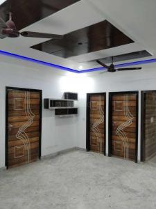 Gallery Cover Image of 550 Sq.ft 2 BHK Independent Floor for buy in Burari for 2500000