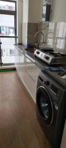 Gallery Cover Image of 700 Sq.ft 2 BHK Apartment for rent in Chembur for 48000