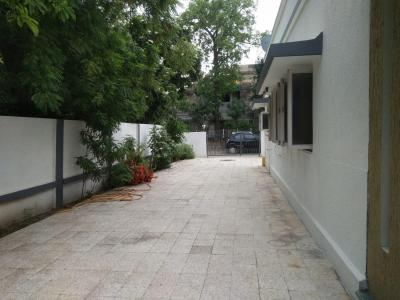 Gallery Cover Image of 4500 Sq.ft 2 BHK Independent House for buy in Narayan Nagar for 36000000
