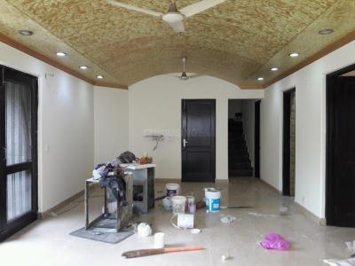 Gallery Cover Image of 2500 Sq.ft 3 BHK Independent Floor for rent in East Of Kailash for 50000