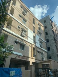 Gallery Cover Image of 1500 Sq.ft 3 BHK Apartment for rent in Kukatpally for 16000