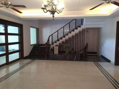 Gallery Cover Image of 8000 Sq.ft 5+ BHK Independent House for buy in DLF Phase 1 for 99000000