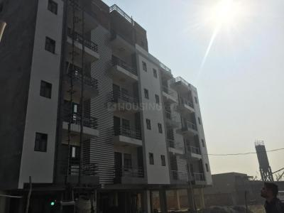 Gallery Cover Image of 960 Sq.ft 2 BHK Independent Floor for buy in Sector 128 for 3000000