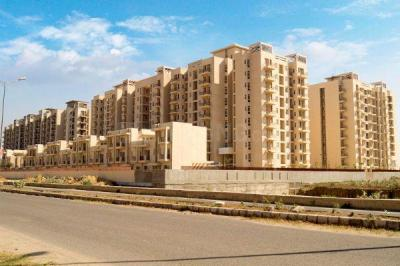 Gallery Cover Image of 2032 Sq.ft 3 BHK Apartment for rent in Park Grandeura, Sector 82 for 22000