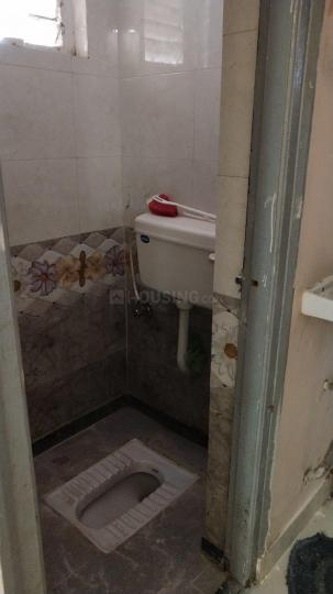 Common Bathroom Image of 345 Sq.ft 1 BHK Apartment for rent in Andheri East for 17000