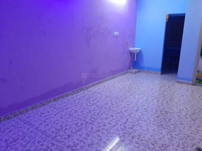 Gallery Cover Image of 600 Sq.ft 1 BHK Independent House for rent in Perungalathur for 12000
