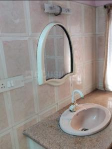 Gallery Cover Image of 1600 Sq.ft 3 BHK Apartment for rent in Aminjikarai for 30000