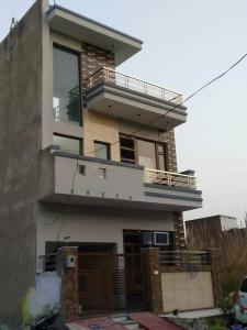Gallery Cover Image of 1000 Sq.ft 4 BHK Independent House for buy in Focal Point for 5200000
