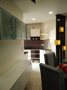 Gallery Cover Image of 1450 Sq.ft 3 BHK Apartment for buy in Sector 41 for 4190000